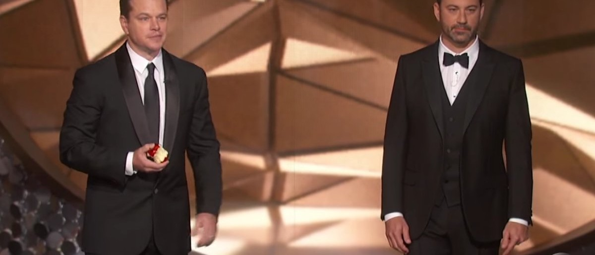 Matt Damon e Jimmy Kimmel, apresentador do Oscar 2017. Crédito: ABC